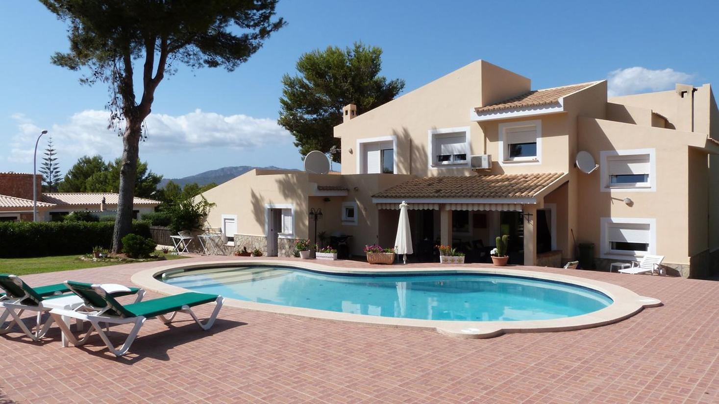 Villa In Mallorca Villa In Santa Ponsa Sp25 Villa