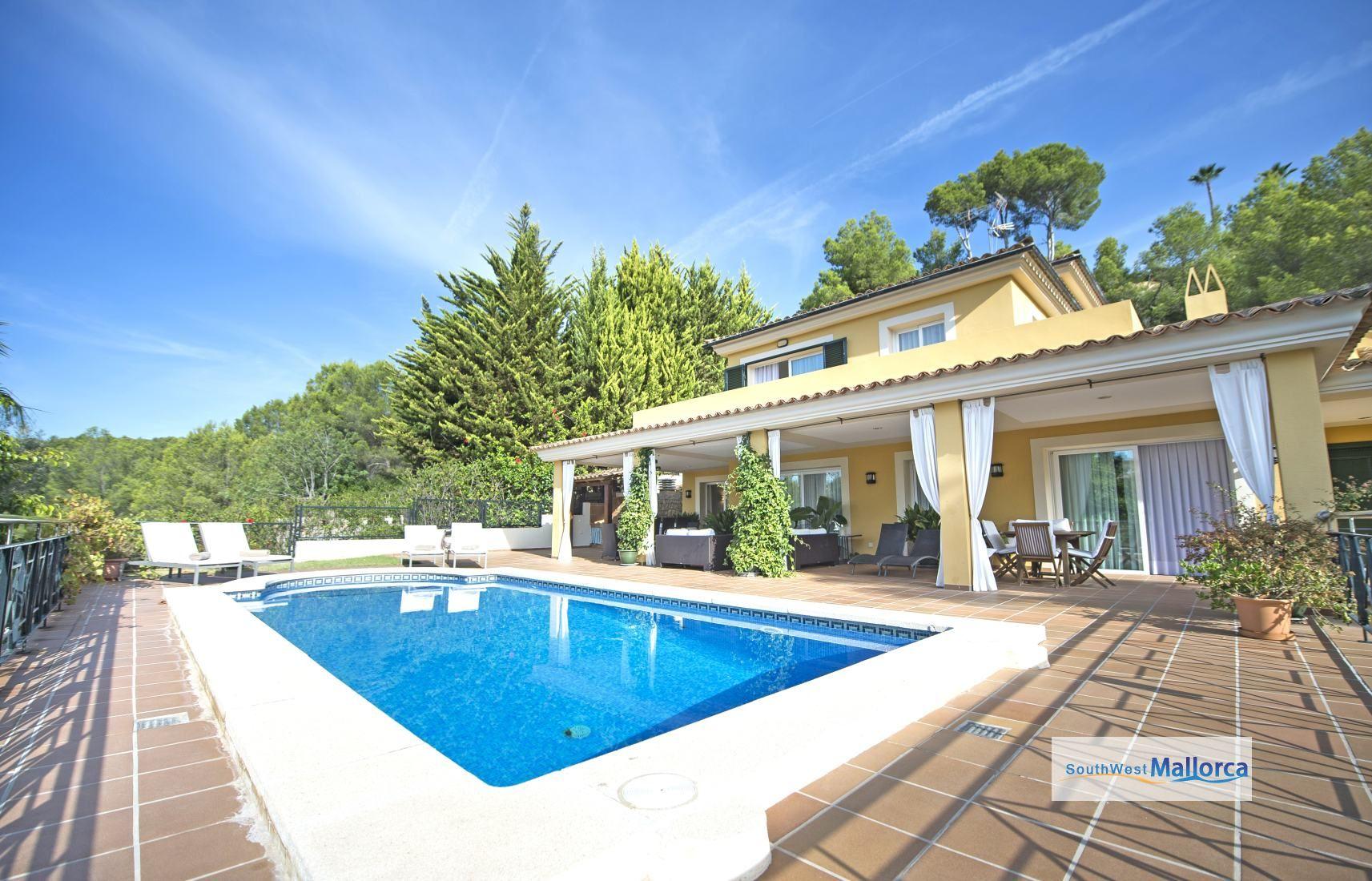 Villa in mallorca villa carolina ben07 villa sleeps 10 for Holiday villas mallorca